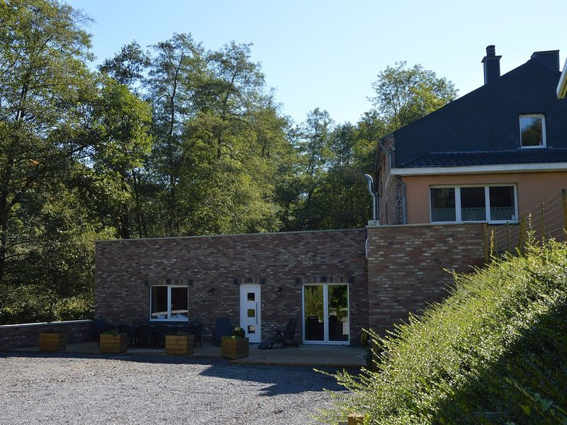 Atmospheric house along a stream half way between Theux and Spa, holiday rental in Sart-lez-Spa