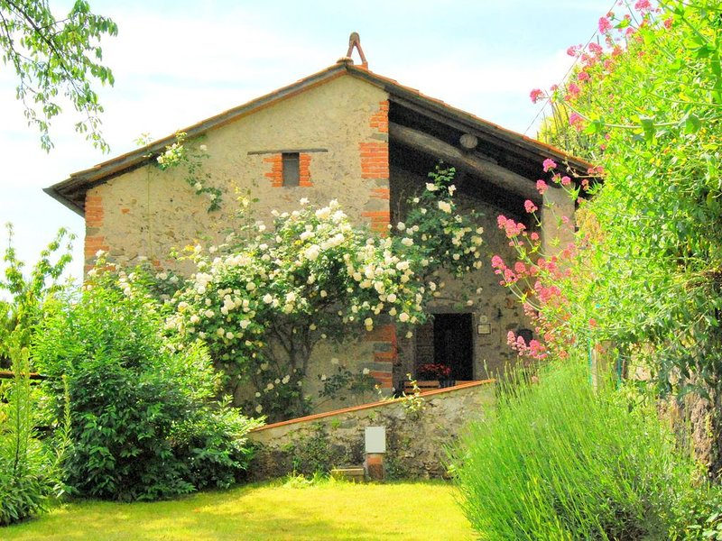 Spacious Holiday Home in Bagni di Lucca with Terrace, holiday rental in Abetone