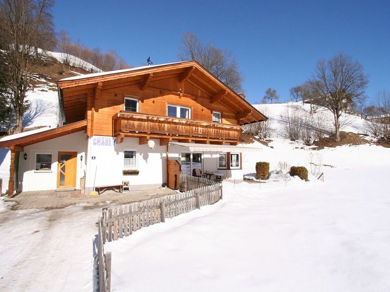 A luxurious, spacious holiday home with plenty of privacy., holiday rental in Brixen im Thale