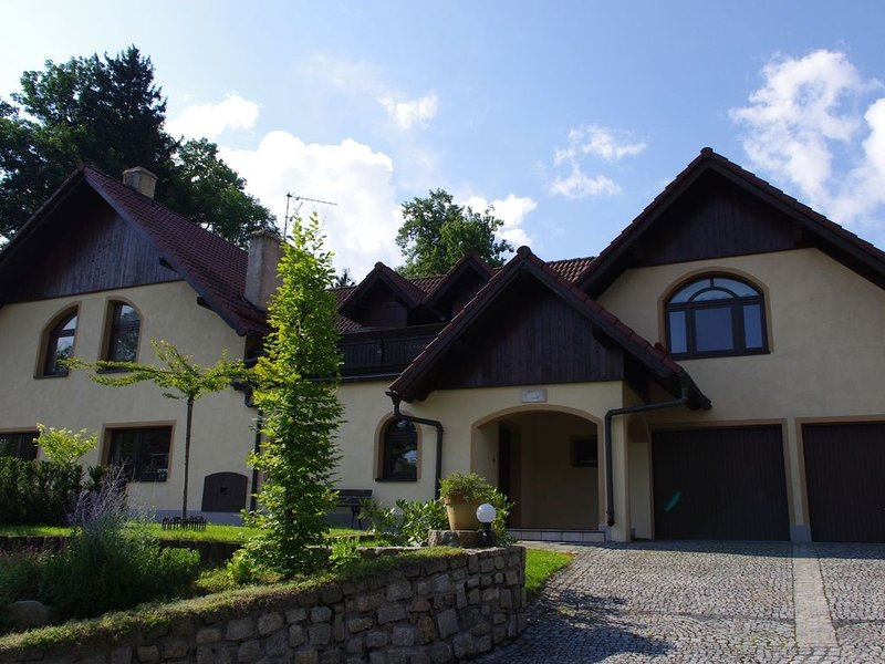 Large luxury house with sauna and Jacuzzi in the Giant Mountains, near ski area, vacation rental in Przecznica