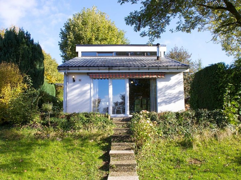 Detached holiday home in the Ardennes, vacation rental in Henri-Chapelle