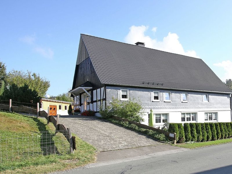 Holiday residence on a farm with many animals., alquiler vacacional en Kirchrarbach