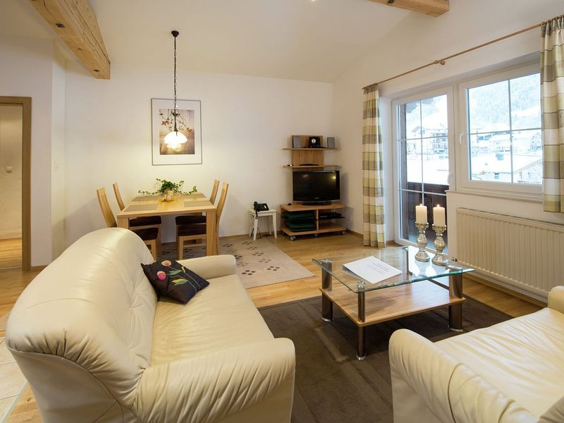 An exclusive, luxury apartment with a private sauna., holiday rental in Wildschonau