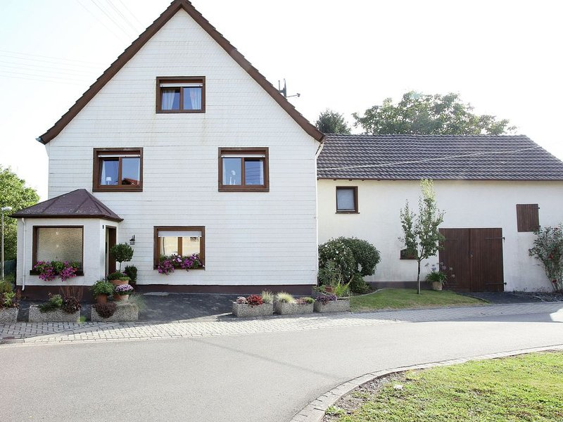 Good standard property at the foot of the Westerwald., vacation rental in Hachenburg