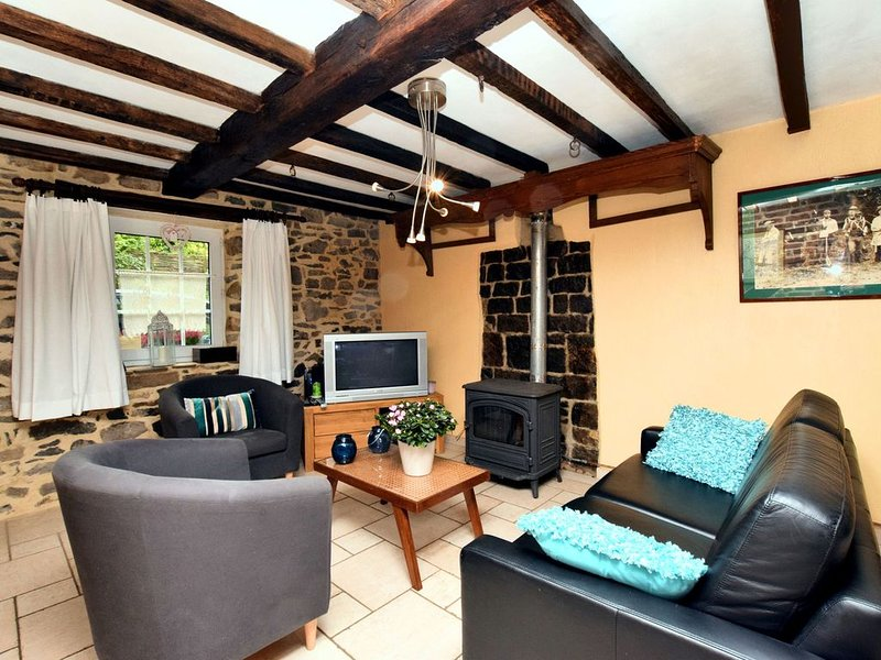 Vintage Holiday Home in Durbuy with Terrace, Garden, Parking, vacation rental in Clavier