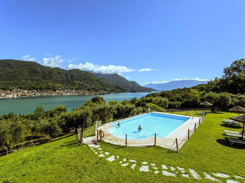 Garda Lake, nice residence with panorama pool, location de vacances à Salo