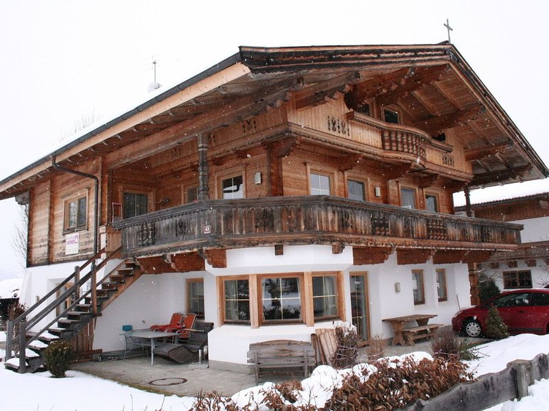 Newly built holiday residence with a lot of privacy., holiday rental in Kelchsau