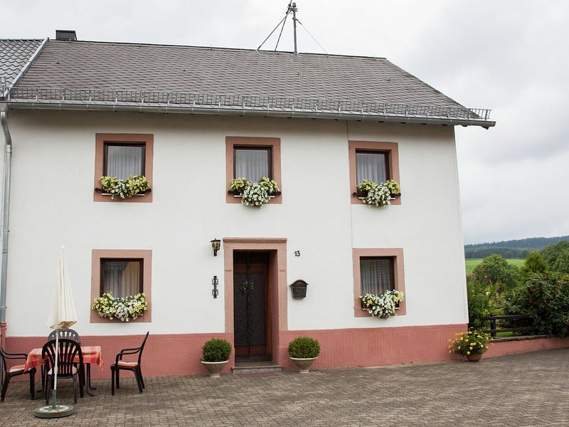 Enjoy a holiday on the farm in a quiet area., vacation rental in Orlenbach