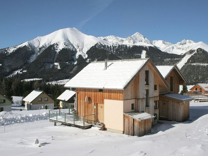 Comfortable Chalet in Hohentauern with Infrared Sauna, holiday rental in Sankt Gallen