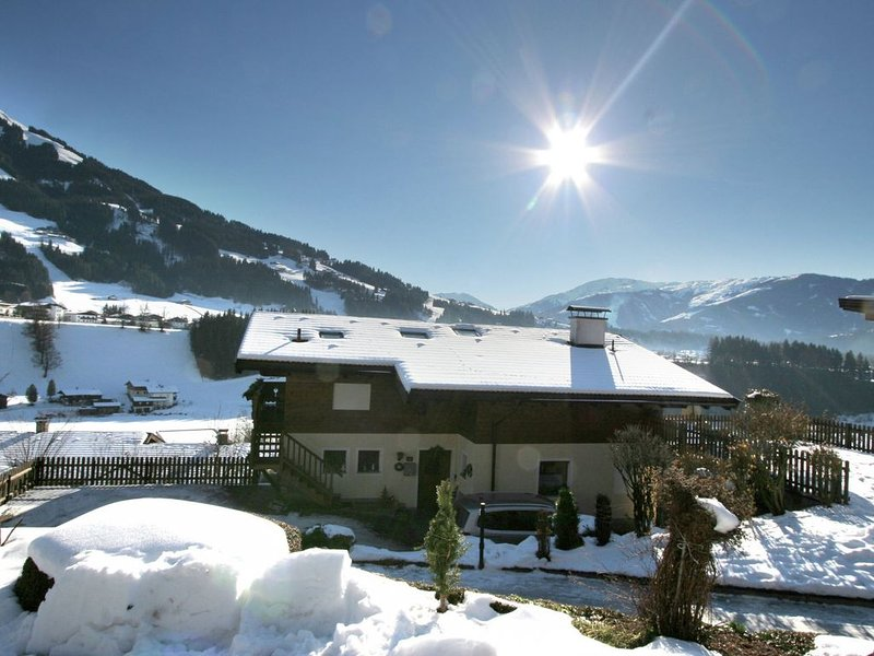 Gorgeous Apartment in Westendorf Tyrol with private terrace, holiday rental in Westendorf