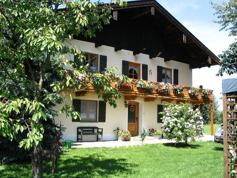 A very spacious 4-person holiday home near the Chiemsee., holiday rental in Aschau Im Chiemgau