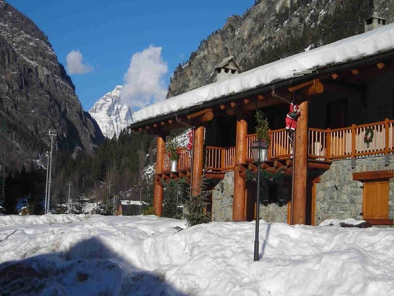 Chalet-village situated in a quiet area, holiday rental in Chamois