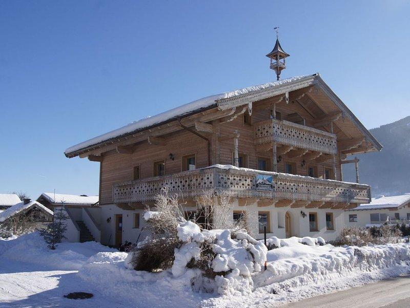 Brand new farmhouse appartment between Krimml waterfalls and Zell am See, location de vacances à Hollersbach im Pinzgau