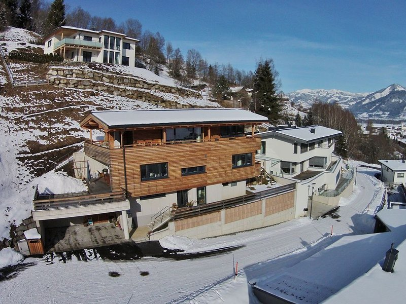 Apartment in a beautiful location with a fantastic view over Kaprun, location de vacances à Kaprun