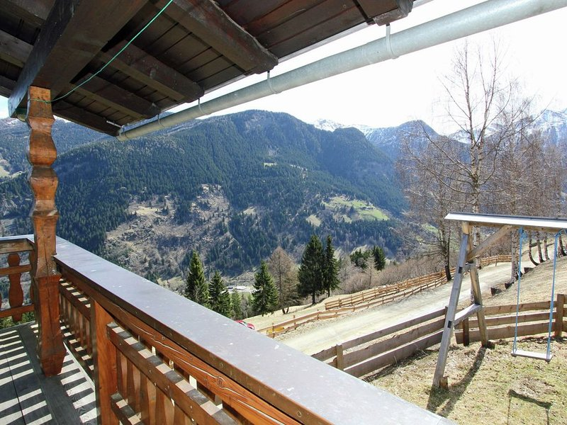 Stunningly located chalet with fantastic views., holiday rental in Mortschach