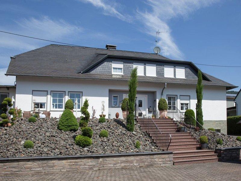 Modern, atmospheric property in romantic mountain village., location de vacances à Urzig
