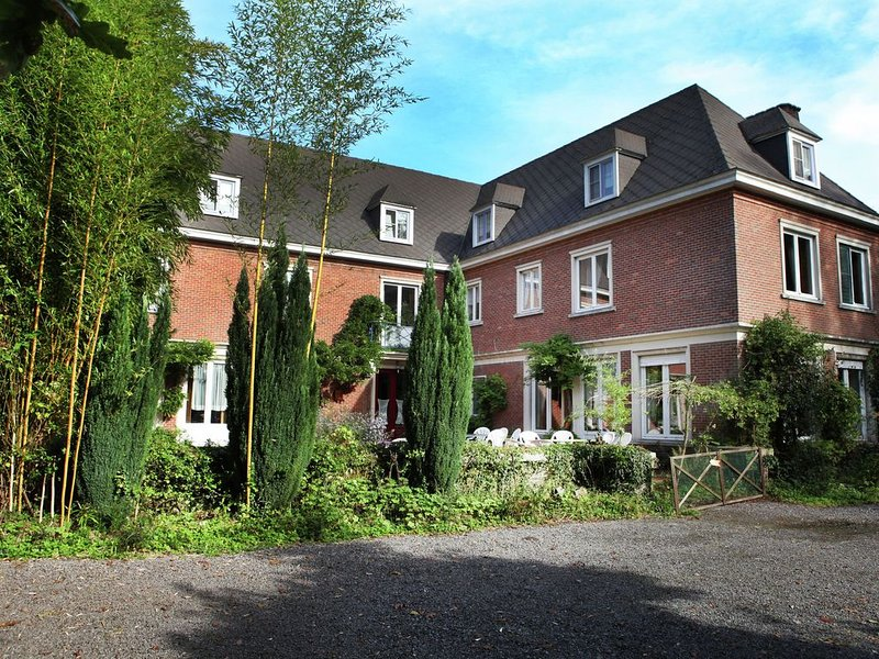Comfortable Mansion in Doomkerke near Forest, holiday rental in Pittem