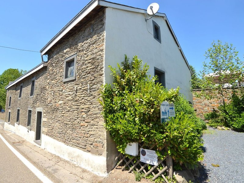 Cosy Holiday Home in Cherain near Forest, location de vacances à Gouvy
