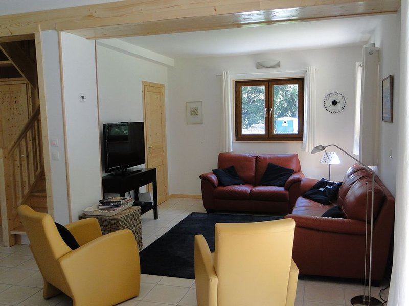 Beautifully situated countryside chalet inbetween  Les 2 Alpes and Alpe d 'Huez, holiday rental in Vénosc