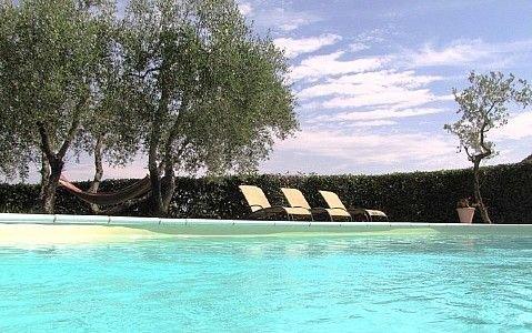 Villa Tessa, rimborso completo con voucher*: Una splendida villa su due piani ri, Ferienwohnung in Castelfiorentino