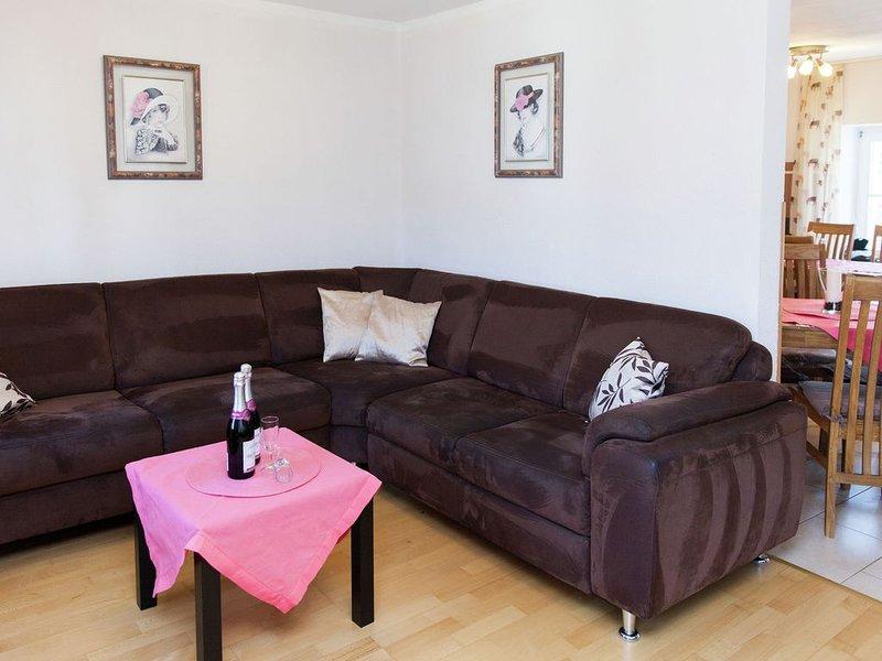 Quaint Apartment in Neuheilenbach Eifel with Terrace, holiday rental in Malberg