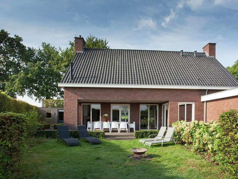 Luxurious holiday home with wellness, in the middle of the North Brabant nature, alquiler de vacaciones en Eindhoven