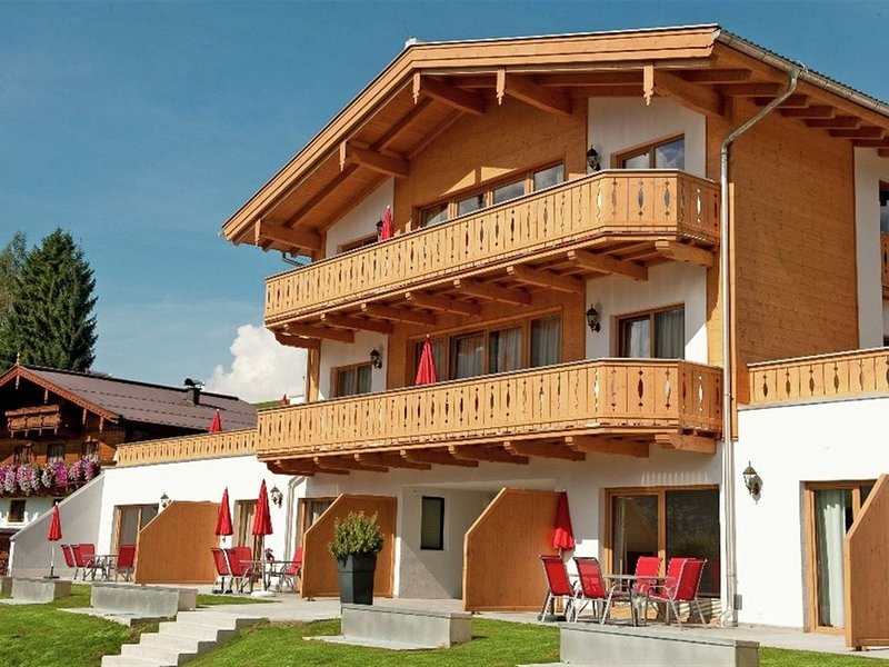 Luxurious apartment in sunny Maria Alm with great views, holiday rental in Maria Alm