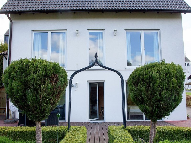 Detached holiday home close to Winterberg with garden and terrace, aluguéis de temporada em Winterberg