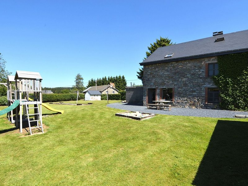 A holiday home in the heart of the Ardennes., holiday rental in Malempre