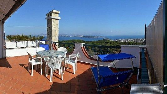 Villa Venturina A, rimborso completo con voucher*: Una luminosa e solare casa in, holiday rental in Cretaio