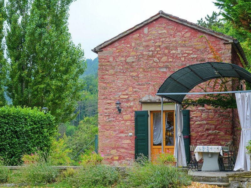 Mini-apartment in a former chapel, with a swimming pool and panoramic view, holiday rental in Palazzuolo Sul Senio