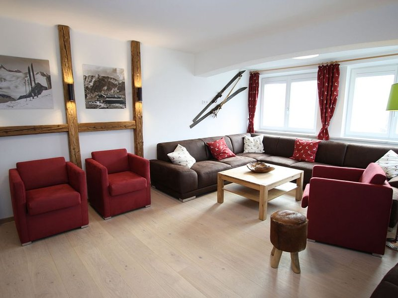 Beautiful and very spacious detached house with sauna on a large property., holiday rental in Lessach