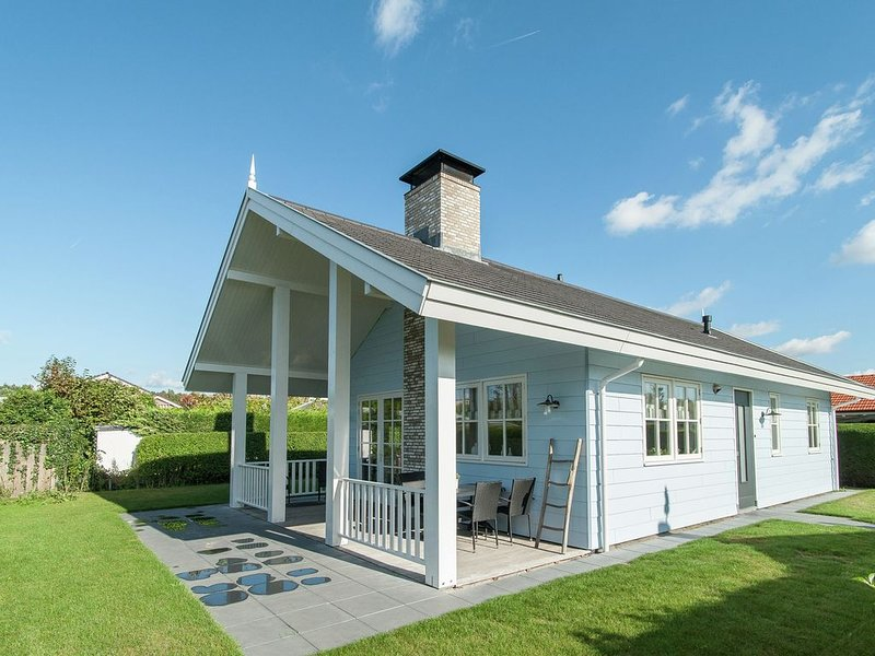 Comfortable detached accommodations located in a tranquil and car-free holiday, casa vacanza a Noordwijk