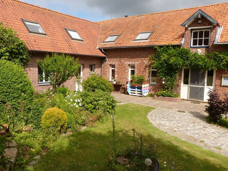 Modern Holiday Home in Hondschoote with Garden, location de vacances à Nord