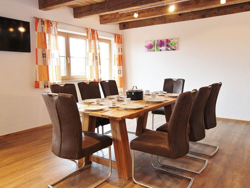 Charming Mansion in Kaprun with Garden, holiday rental in Kaprun