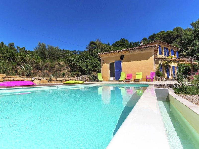 Beautiful villa with private pool and beautiful views to cozy villages, location de vacances à Sillans-la-Cascade