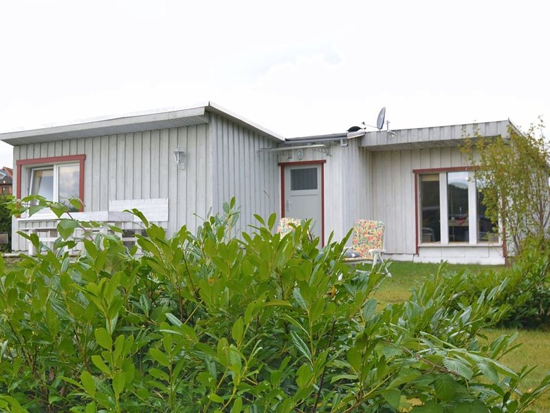 Bright holiday home in a quiet location of the Upper Harz region with sunny terr, holiday rental in Allrode