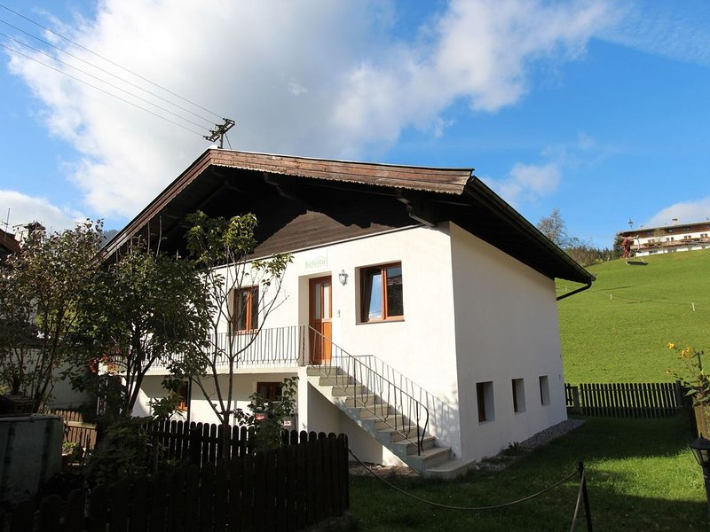 Detached holiday home on a splendid, quiet location in Kirchberg, vacation rental in Kirchberg