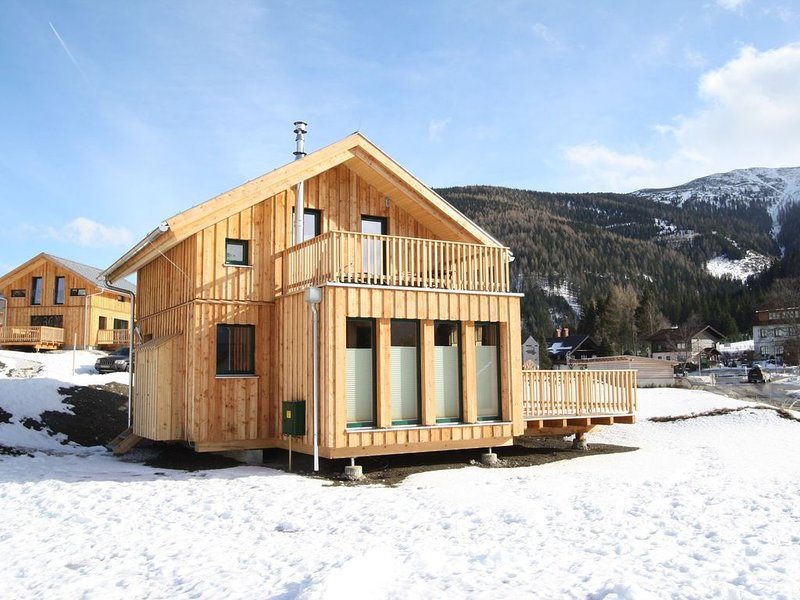 Upscale Holiday Home in Hohentauern with Sauna & Views, casa vacanza a Moederbrugg