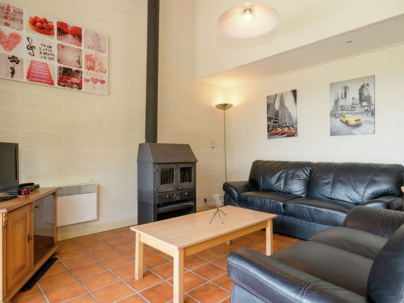 Modern Holiday Home in Stavelot with Stunning Views, location de vacances à La Gleize