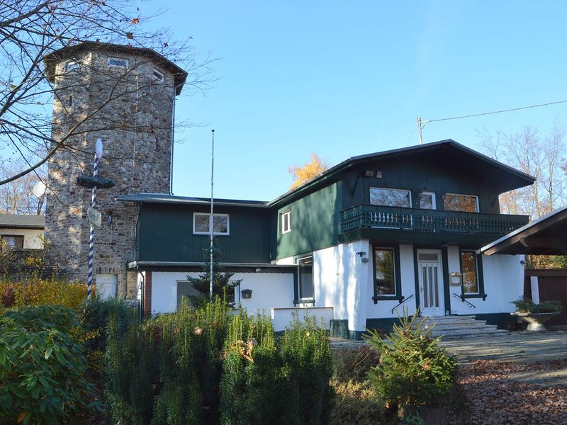 Pleasant Holiday Home in Kemmenau with Sauna, holiday rental in Ransbach-Baumbach