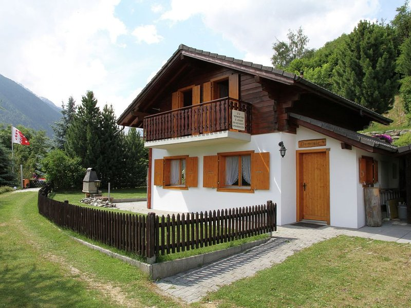 Detached chalet at 4 km. from Haute Nendaz, holiday rental in Nendaz