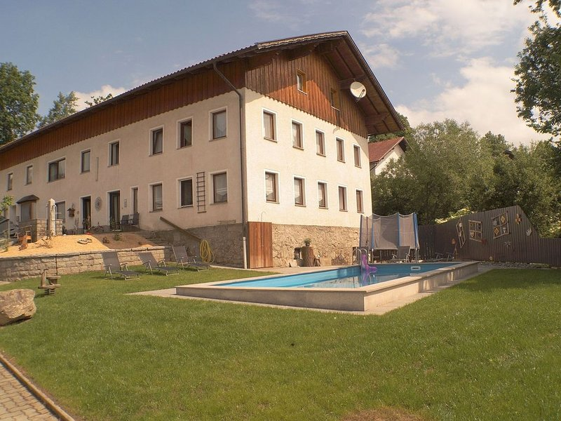 Holidays in Bavaria with a swimming pool, holiday rental in Chamerau
