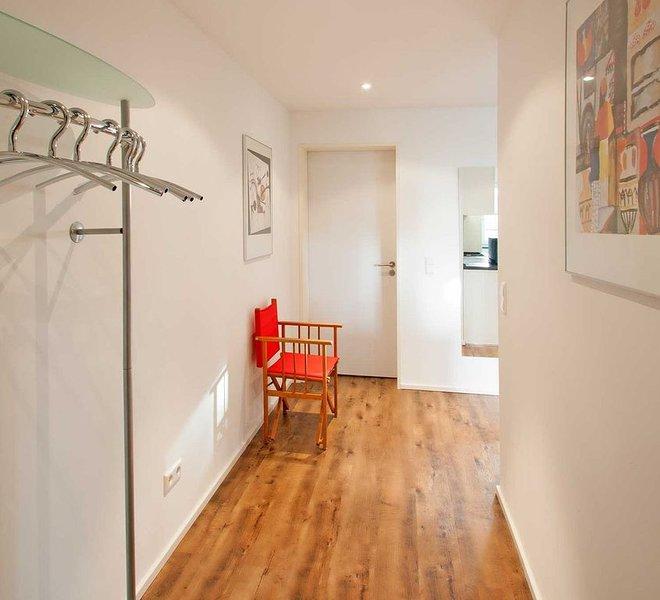 Ferienwohnung 2, 70qm, 2 Schlafzimmer, max. 4 Personen, holiday rental in Wasserburg