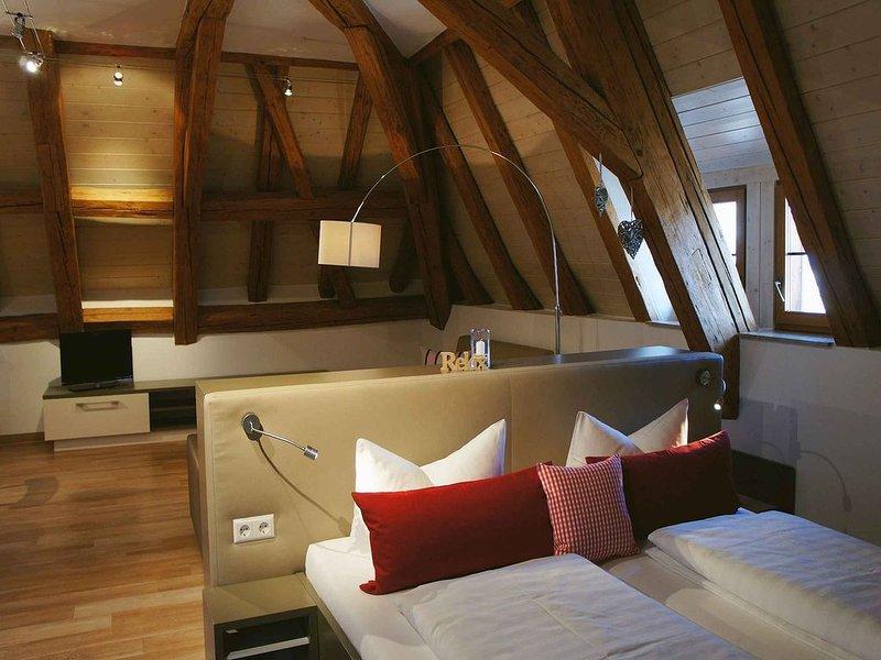Apartment No. 12, 72qm, 1 Schlafzimmer, 1 Wohn-/Schlafraum, max. 4 Personen, casa vacanza a Markdorf