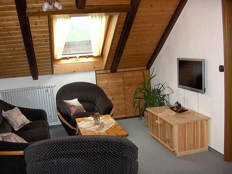 Ferienwohnung, 70qm, 2 Schlafräume, max. 4 Personen, aluguéis de temporada em Oberharmersbach