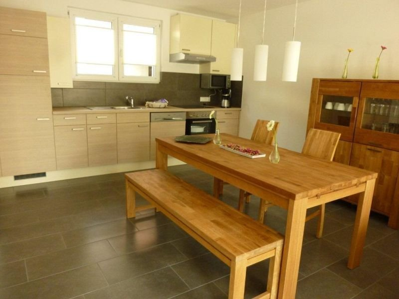 Maisonette-Wohnung, 80qm, 2 Schlafzimmer, max. 5 Personen, casa vacanza a Boetzingen