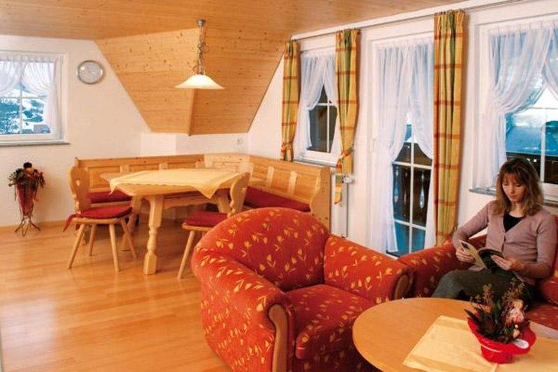 Ferienwohnung 2  'Abendsonne' mit ca. 65qm, 2 Schlafzimmer, für max. 4 Personen, vacation rental in Hofstetten
