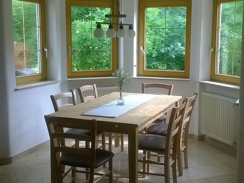 Geräumige Ferienwohnung im Grünen nahe Lindau am Bodensee, 100qm, 2 Schlafzimmer, holiday rental in Eichenberg