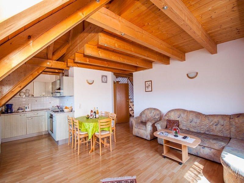 Ferienwohnung C, 58qm, 2 Schlafzimmer, location de vacances à Grasbeuren